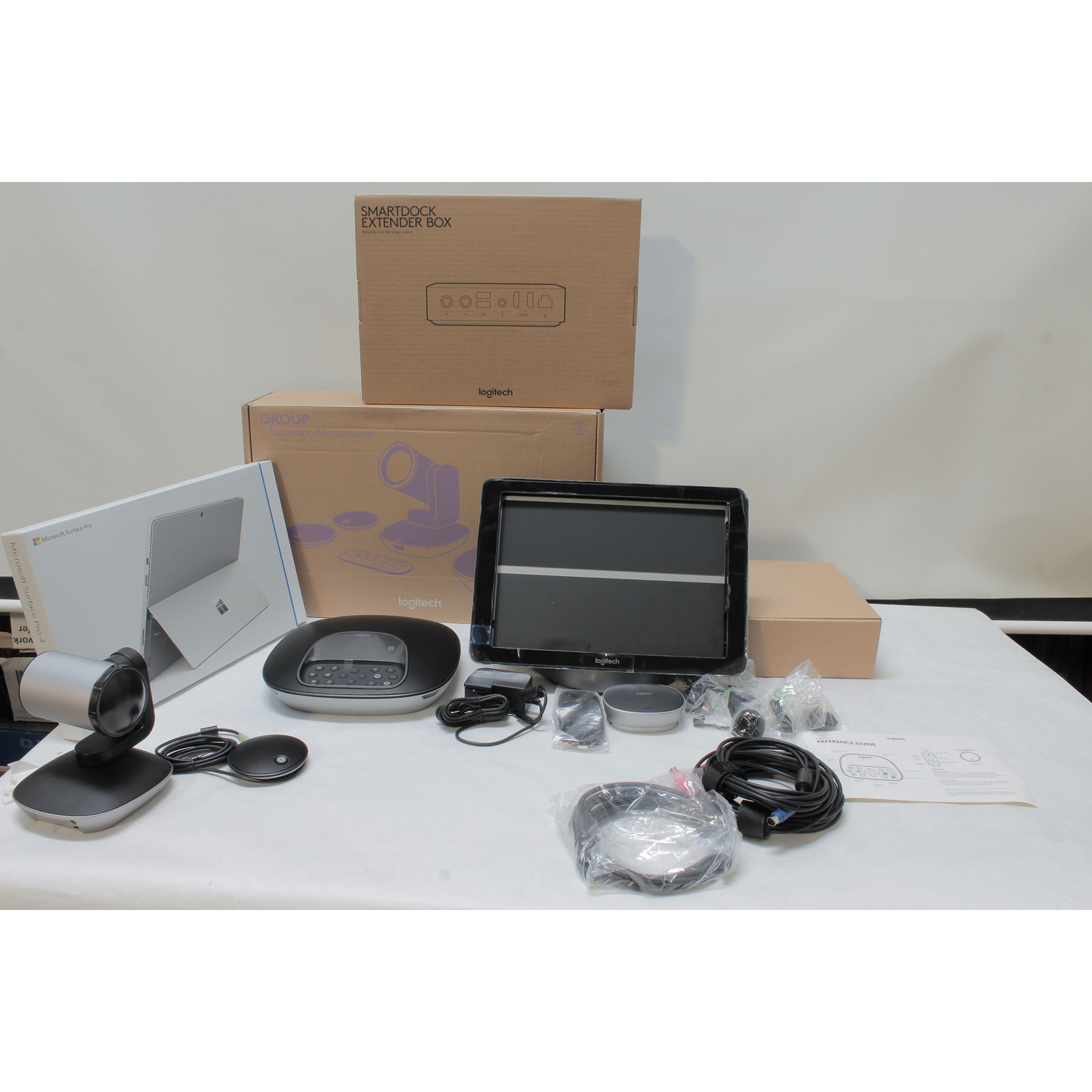 Logitech SMARTSRSLGROOM Skype Video Conferencing Kit Surface Pro