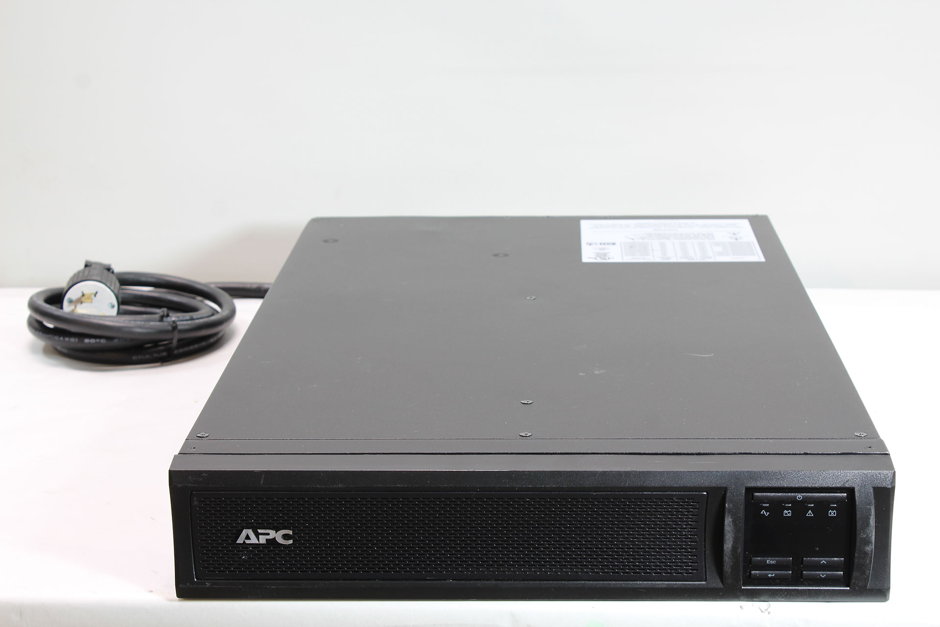 APC Smart-UPS X SMX2200RMLV2U 2200VA Rack/Tower LCD 100-127V UPS