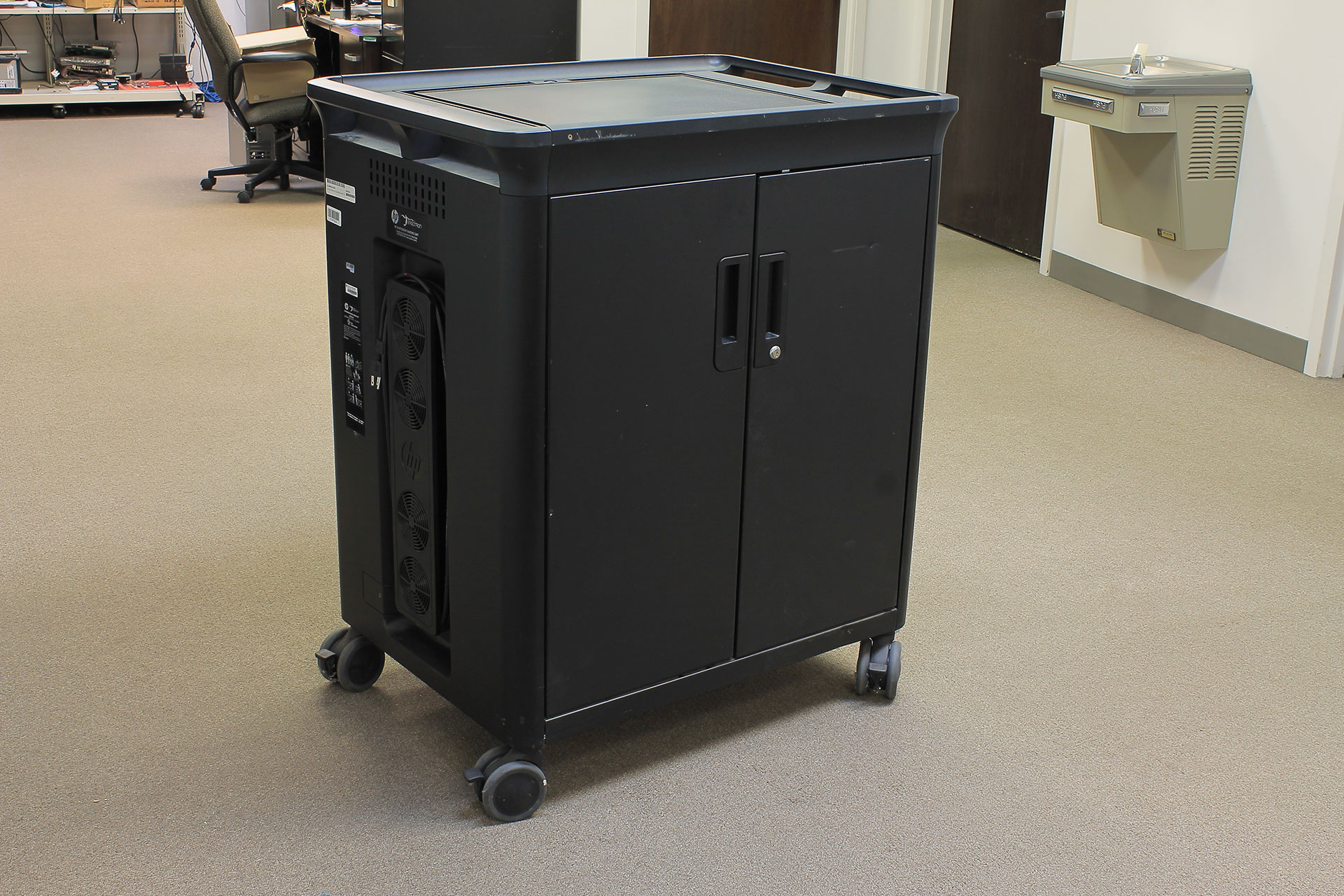 HP Charging Cart for 20 Notebooks Ergotron Actual images