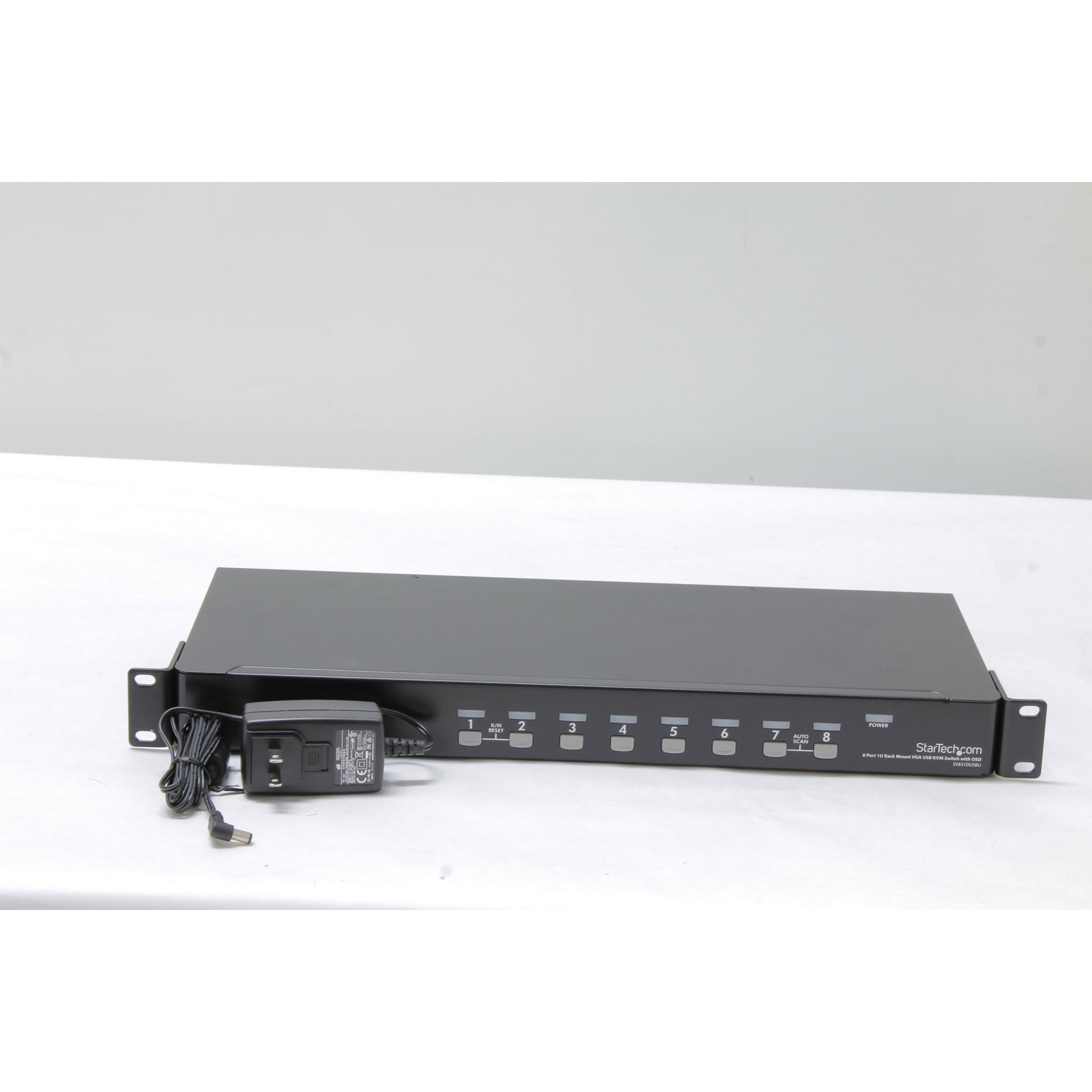 StarTech.com 8 Port 1U Rack Mount USB KVM Switch SV831DUSBU